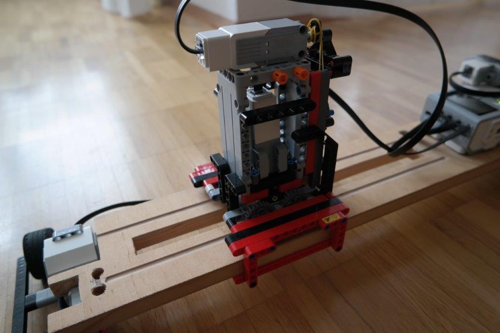 LEGO-EV3-MINDSTORMS-MAL-ROBOTER-CNC_DETAILS_06