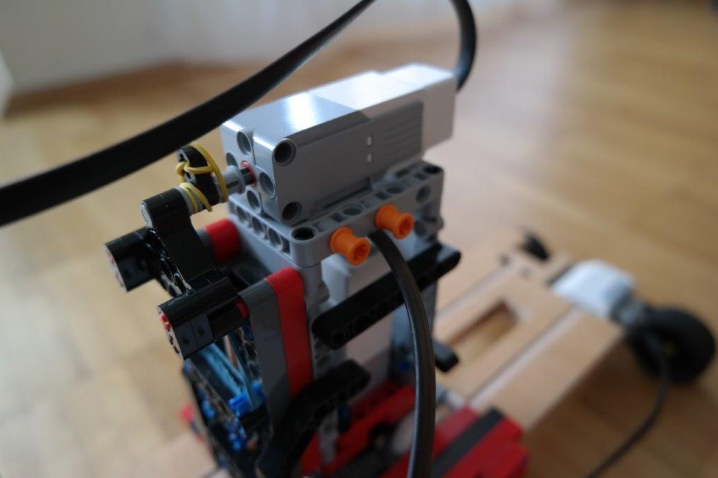 LEGO-EV3-MINDSTORMS-MAL-ROBOTER-CNC_DETAILS_07