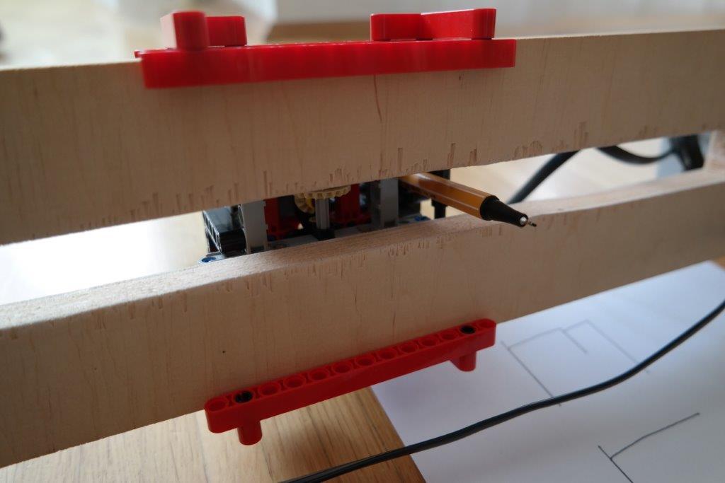 LEGO-EV3-MINDSTORMS-MAL-ROBOTER-CNC_DETAILS_09